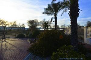 Nicol beim Spaziergang zurück vom Restaurant Mar de Sal - San Pedro del Pinatar – Spain