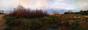 Dicke fette Wolken und leichter Regen am Platja L'Almadrava - Dénia – Spain