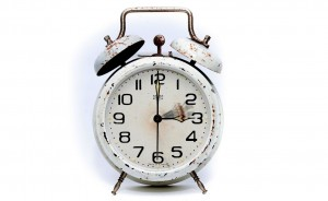 Die Uhr wird um eine Stunde vor gestellt!