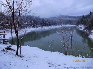 Am 11. April 2012 - Schnee am Lago di Pianfei – Italy