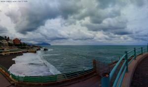 Genua empfängt uns grau - Genova – Italy