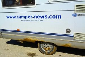 Nach den Feldwegen mit Schlammlöchern - On the Road in Greece