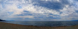 Dunkel schaut's aus am Portofino Beach – Greece