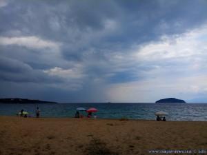 Kaum sind wir da - Gewitter - Néa Iraklítsa -Greece / 12:50