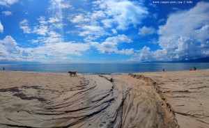 Tiefe Spuren vom Regen am Portofino Beach – Greece