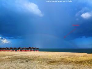 Der Regenbogen ist nur ganz schwach zu sehen - Portofino Beach – Greece
