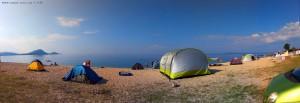 Viele Zelte am Tristínika Beach - Greece