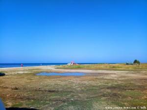 PKW mit Sonnenschirm - Ikismos Lefkes – Greece
