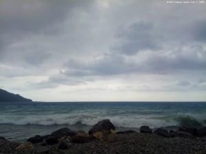 Unruhiges Meer nahe Paralía Kímis – Greece