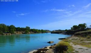 Das Schiff kommt an im Kanal von Korinth – Greece