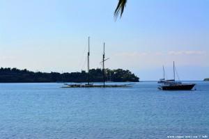 Halb versunkenes Segelschiff bei Porto Cheli – Greece