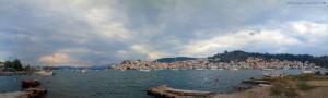Blick auf Poros von Galatas – Greece