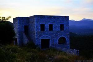 Viele Häuser sind niemals vollendet in Griechenland