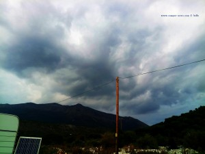 Nichts von all' dem geplanten kann ich erledigen - dicke fette Wolken am Diros Beach - Bay Dirou – Greece