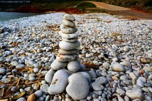 Auch ich setze einen Steinturm am Diros Beach - Bay Dirou – Greece