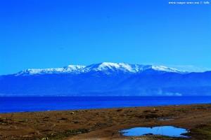 Schnee auf den Gipfeln - Sicht von Paralia Kato Achaias - Greece