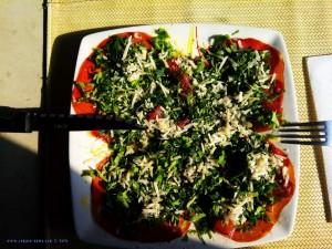 Bresaola mit Rucola und Parmesan