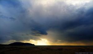 Eben noch Sonne - nun dicke fette Wolken am Lagkouvardos Beach - Greece