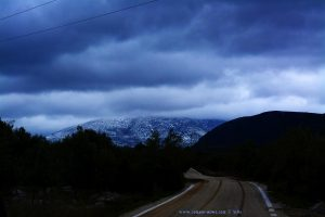 Schnee bis in die tieferen Lagen - On the Road in Greece