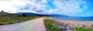 Die Wolken wollen doch hoffentlich nicht zu uns kommen - Metamorfosi Beach – Greece