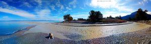 Das Wasser vom Rema Fonissa ist braun - Kamari – Greece