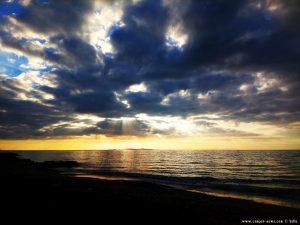 Kommt da etwa doch noch die Sonne heraus - Paralia bei Patras – Greece
