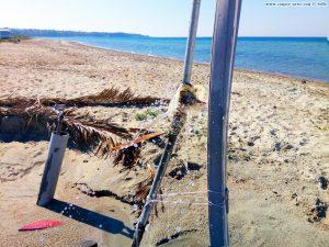 Notdürftig geflickt - die kaputte Dusche in Ikismos Lefkes – Greece
