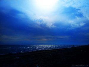 Dunkel wird es schon wieder am Ikismos Lefkes – Greece