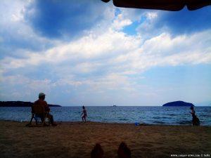 Meine Aussicht von meinem Strandplatz - Néa Iraklítsa - GreeceMeine Aussicht von meinem Strandplatz - Néa Iraklítsa - Greece