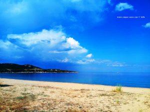 Wieder an den Strand? Es grollt aber permanent - Néa Iraklítsa - Greece