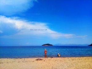 Baffo und Nicol nehmen ein Fussbad - Néa Iraklítsa – Greece