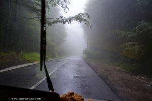 Die Wolken hängen tief - On the Road in Romania