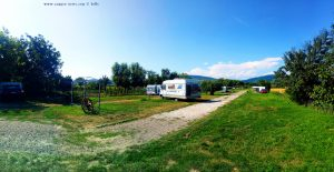 Parking im Camping Aurel Vlaicu – Romania