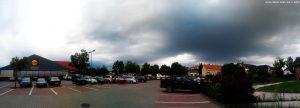 Da kommt schon das nächste Gewitter - bei Lidl in Tamási – Hungary