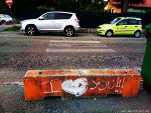 Fällt Euch hier was auf - Casella – Italy