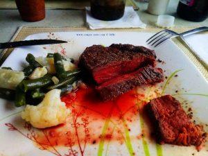 Lecker Steaks fom Selfmade-Grill à la Baffo - Platja L'Almadrava – Spain