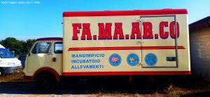 Ganz alter Kühlwagen - hier in Lingua Alessandro Autoriparazioni - Pianfei – Italy