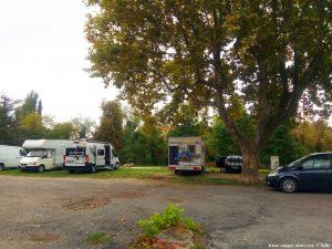 Parking in Area Sosta Camper - Sainte-Tulle – France
